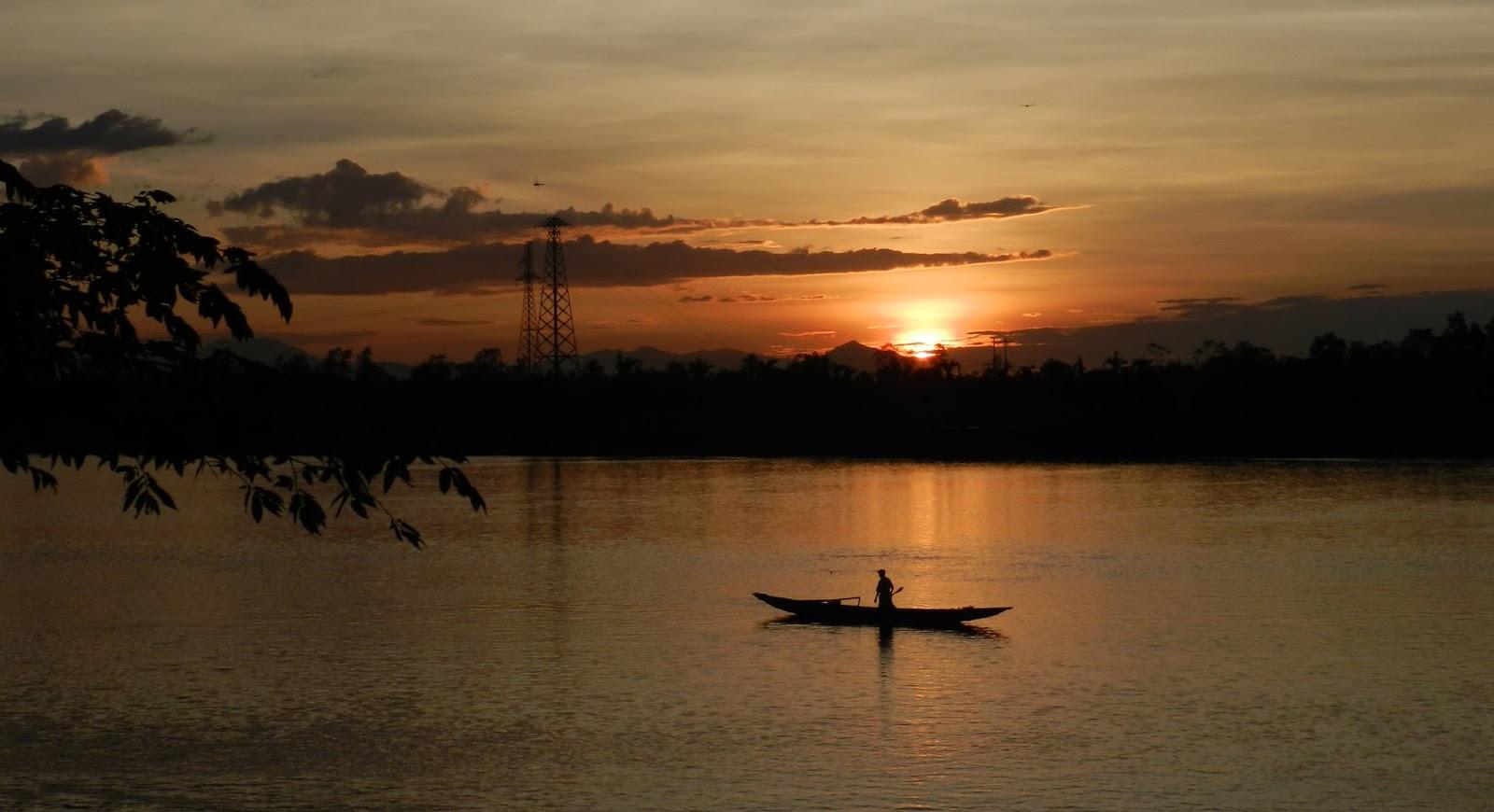 Soạn bài: Người lái đò sông Đà